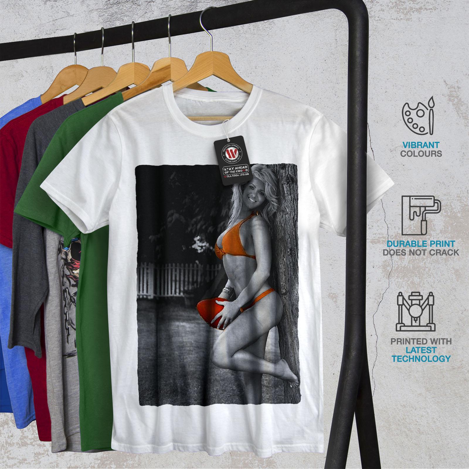 Wellcoda Sexy Cheerleader Mens T-shirt, Football Graphic